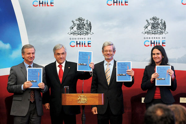 chilean mine collapse essay An amazing story of survival is playing out in chilean mine as 33 men, trapped for about three weeks,  chile mine collapse: facts about the amazing survival story.
