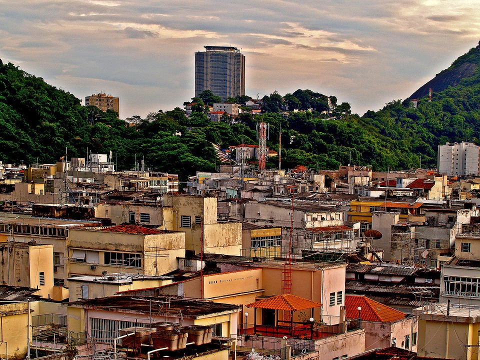 favelas-51318_960_720