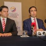 El ministro Pablo Campana (derecha). Agencia de Noticias Andes/Flickr