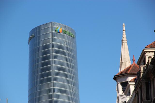 Iberdrola headquarters. Aiaraldea Komunikazio Leihoa/Flickr